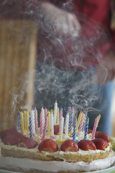 birthday-cake-757107_1280